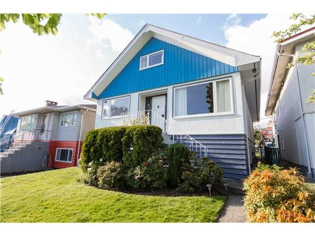 2625 ADANAC ST, V5K 2M8 - Renfrew VE House/Single Family for sale, 6 Bedrooms (V1119797) #1